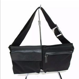 eb6dfe45360 Women s Gucci Waist Bag on Poshmark